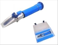 REF10-SM|Refraktometr-Salinita|0- 100‰,1.000 až 1,070g/l| - Nejpřesnější přístroj k měření nízkých koncentrací slaných roztoků.Stupnice salinity je v promilích 0-100‰ ,což odpovídá rozsahu 0-10%. Druhá stupnice nám měří specifickou hmotnosti obsahu soli od 1.000 až 1,070 (g/l , g/cm³) : Použití: mořská akvaristika , bazény s mořskou vodou