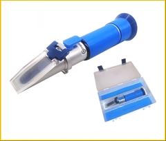 REF20-C|řezné emulze 0-20%|ᆕ 0,1%|ᅽ ±0,1% - Refraktometr k měření koncentrace procesních kapalin (řezných emulzí) středních koncentrací.Přesnost .± 0,1%