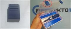 Náhradní klip na Box -Tmavě Modrá - Náhradní klip pro box refraktometru.